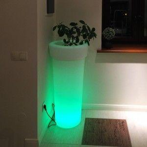 Светящееся кашпо для цветов LED Leiden, разноцветная RGB подсветка, с пультом ДУ, IP65