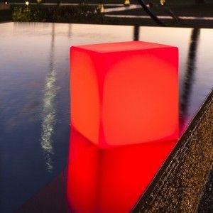 Куб светящийся беспроводной LED, 80*80*80 см., разноцветный (RGB), IP68, с аккумулятором