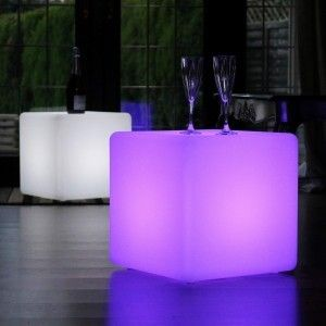 Куб светящийся беспроводной LED, 30*30*30 см., разноцветный (RGB), пылевлагозащита IP68, встроенный аккумулятор