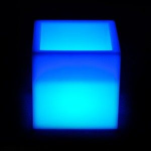 Светящееся кашпо куб для цветов LED PLAZA 30 см. c разноцветной RGB подсветкой и пультом ДУ IP65 220V — Купить в интернет-магази