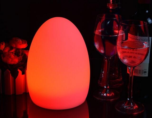 LED Egg - Необычная настольная разноцветная лампа в форме яйца