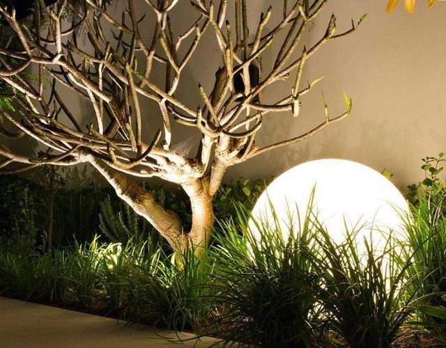 Светящийся шар: жемчужина в вашем саду