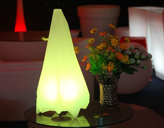 Беспроводной разноцветный LED светильник в форме кристалла (настольная лампа, хай-тек)