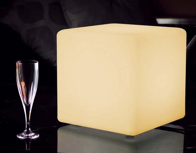 Светильник светодиодный разноцветный куб 30 см.