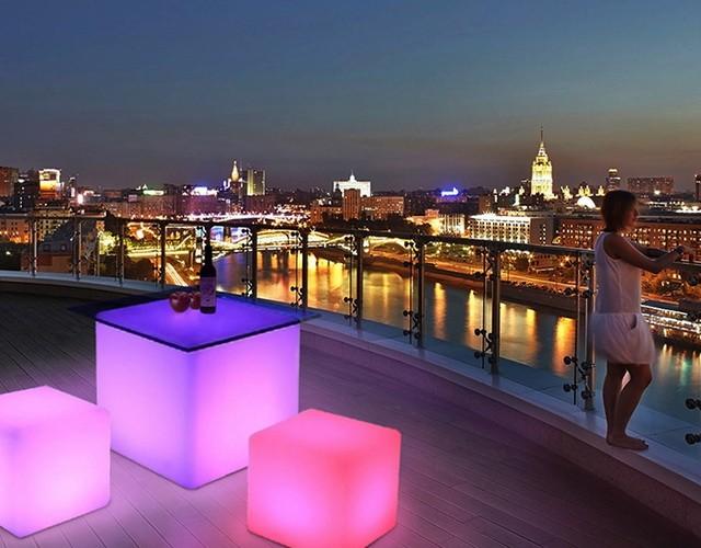 Беспроводные уличные светильники - светодиодные кубы для мероприятий