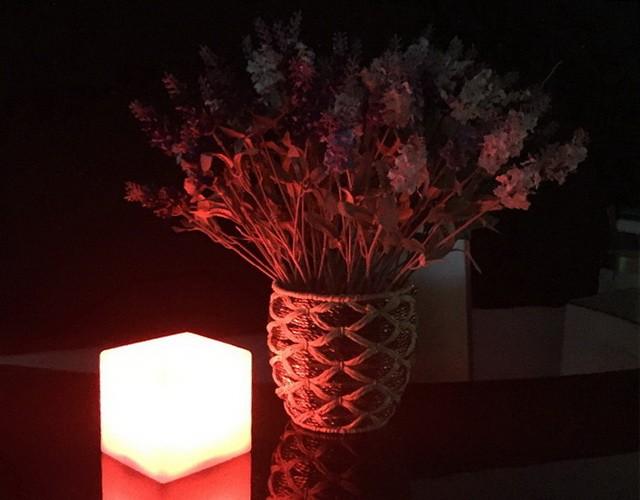 Настольная лампа - разноцветный светодиодный кубик 20 см.