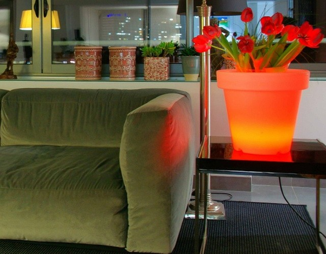 Круглые кашпо с подсветкой LED