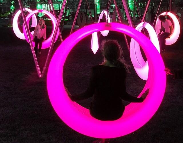 Гибкий led неон для оформления уличных и садово-парковых фонарных столбов - купить в интернет-магазине