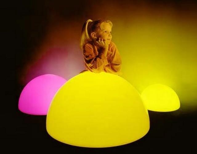Разноцветный светильник ночник в детскую игровую комнату