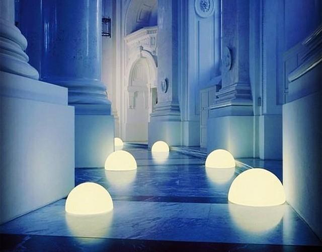 Светящиеся полусферы - напольные светодиодные светильники