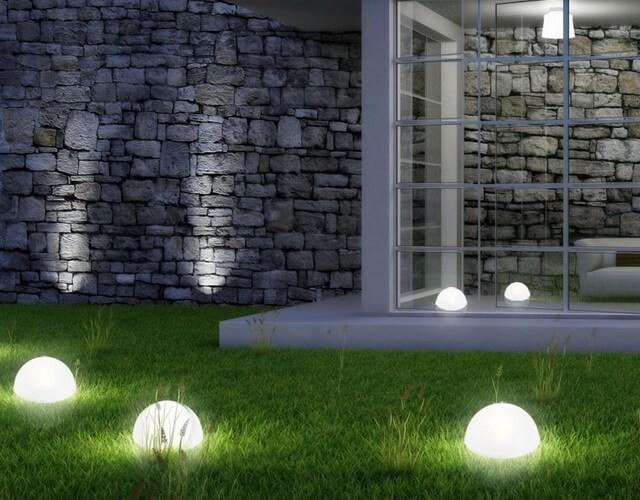 Светодиодные светильники полусферы как садовое и ландшатное освещение